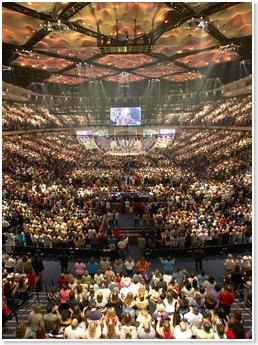mega-church-gathering